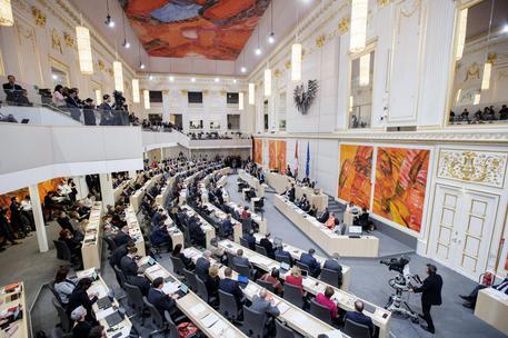 L'Austria chiude sette moschee, plauso di Matteo Salvini