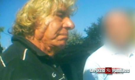 Palermo, il padre dell'agente Agostino in un confronto all'americana: