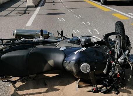 Palermo, investe un motociclista e fugge: caccia al pirata della strada