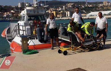 Malore sul motopesca a Porto Empedocle, comandante salvato
