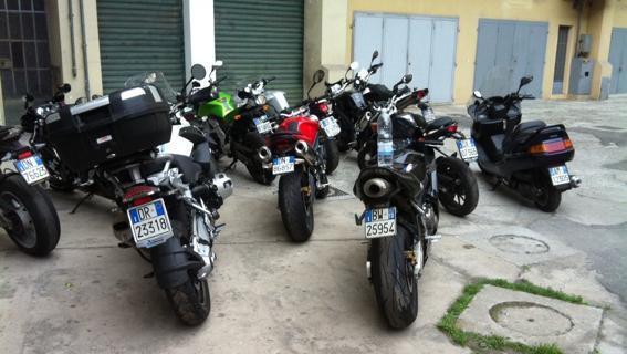 Sequestrate dalla Finanza 41 moto a Riposto: erano destinate ai mercati dell'Africa