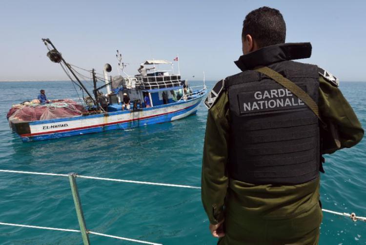 Dodici migranti diretti a Lampedusa fermati dalla Marina di Tunisi