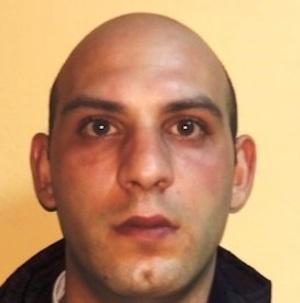 Catania, lo prendono con la marijuana: arrestato