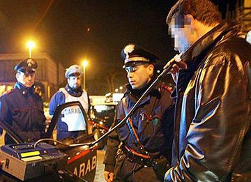 Palermo, i carabinieri passano al setaccio la Movida: 8 denunciati