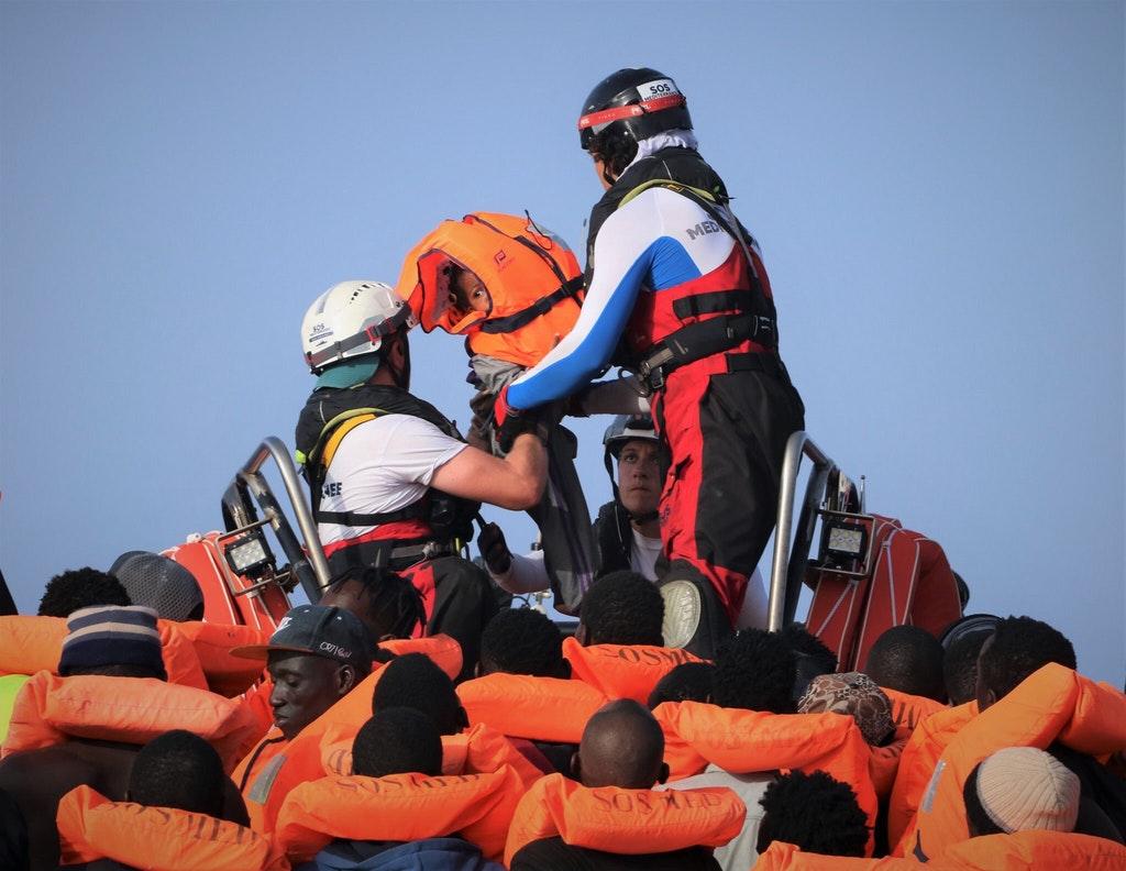 Arrestati a Messina 2 presunti scafisti: erano a bordo della Ocean Viking