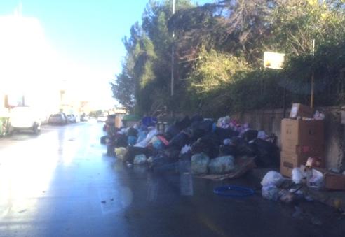 Floridia  con il nuovo anno si sveglia sommersa da montagne di rifiuti