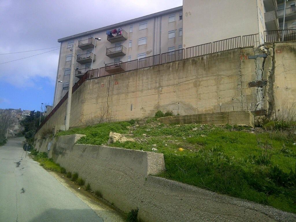 Cinque palazzine Iacp a rischio crollo a Caltanissetta