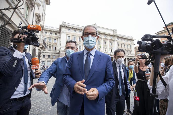 La Sicilia da lunedì in zona gialla: indice di contagio il più basso d'Italia