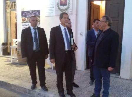 Regione, studio di fattibilità per realizzare un ospedale a Lampedusa