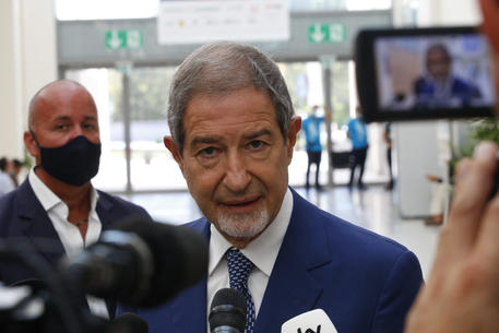 Open Arms a Palermo con 60 positivi, Musumeci: l'Europa se ne frega
