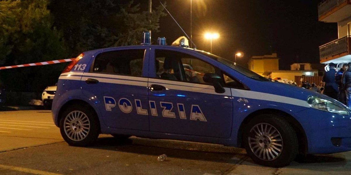 Rapinatore di 17 anni morto ed uno arrestato in un conflitto a fuoco a Napoli