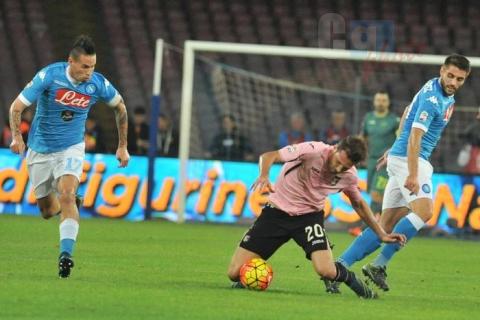Cinquina del Napoli di vittorie, il Palermo cade al San Paolo