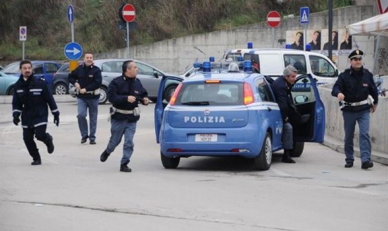 Spari vicino ad un liceo a Napoli: un morto ed un ferito
