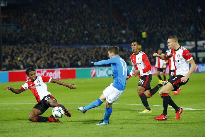 Il Napoli sconfitto a Rotterdam dal Feyenoord: è fuori dalla Champions