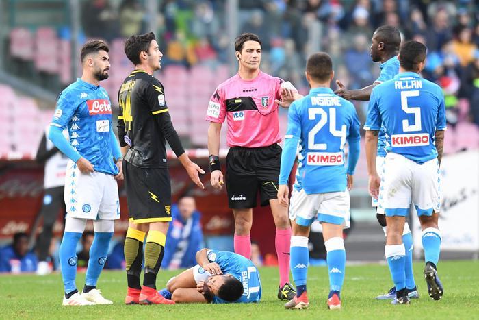 Il Napoli cala il poker al Frosinone, Lazio e Sampdoria  finisce 2 a 2