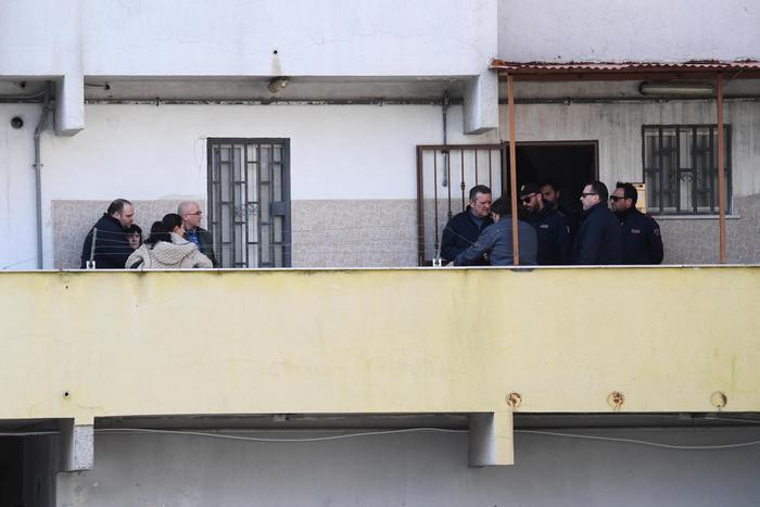 Napoli, uccide la moglie con un corpo contundente: arrestato