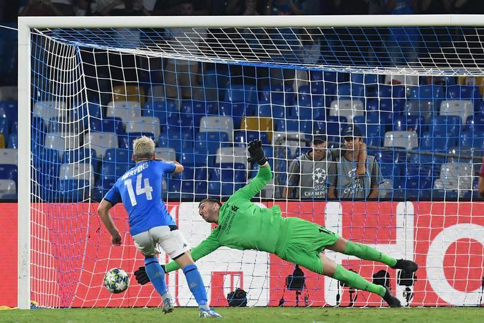 Champions, l'Inter stecca alla prima ( 1 - 1) : ride solo il Napoli: 2 gol al Liverpool