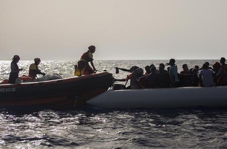 Altro naufragio in Libia, 114 dispersi: si salvano in 16