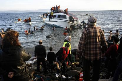 Migranti, naufragio Egeo: almeno 5 morti e anche 4 bimbi