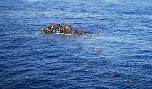 Soccorsi a 40 miglia dalla Libia 2185 persone, dieci i morti