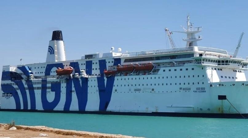 Il mare mosso ferma gli sbarchi a Lampedusa, nell'hotspot 1.700 migranti