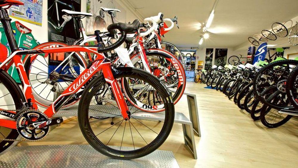 Contenimento, piccola modifica al decreto: riaprono i negozi di biciclette, barche e toelettatura
