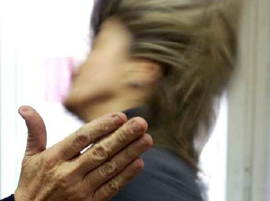 Catania, aggredisce e picchia la madre: finisce in carcere