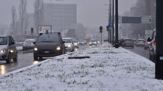 Maltempo, in arrivo freddo e neve al Centro Nord e venti di burrasca