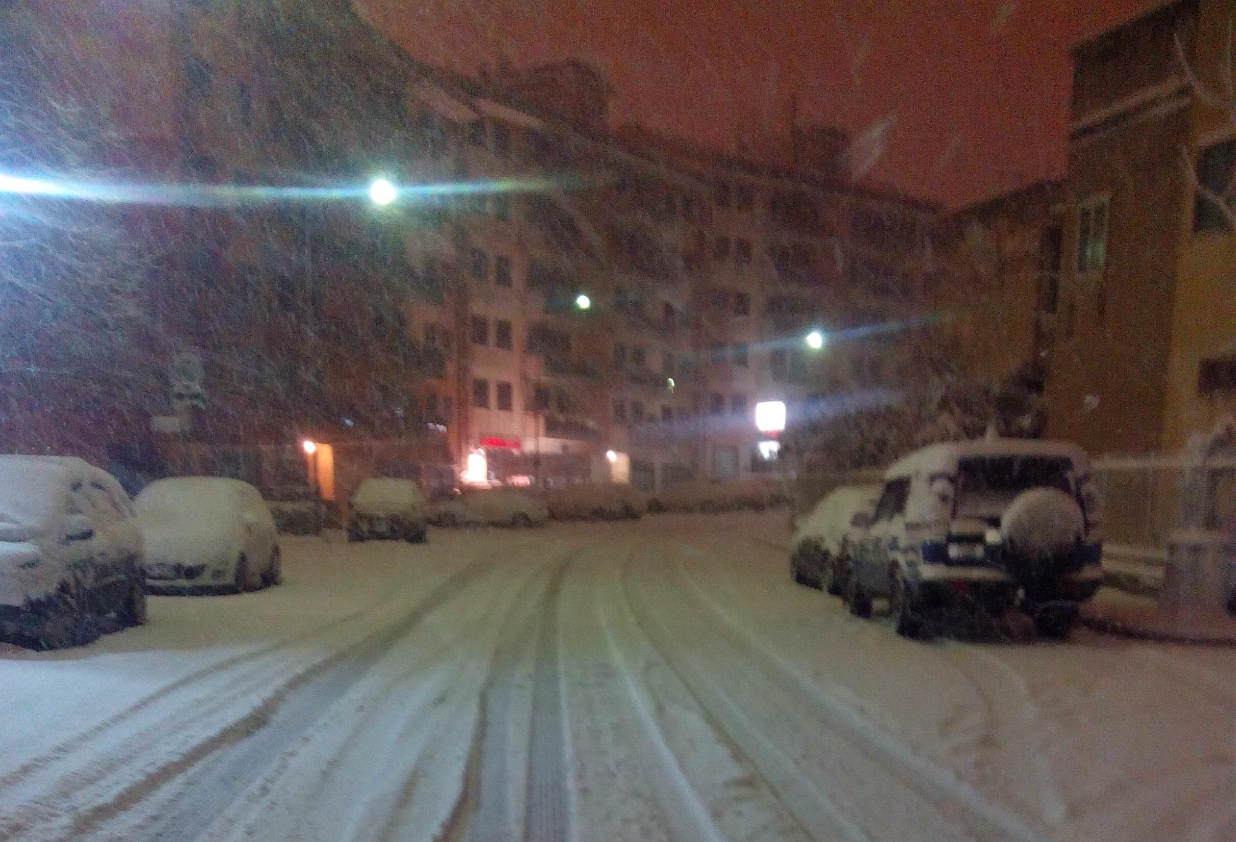 Maltempo, tempesta di neve a Ragusa: scuole chiuse