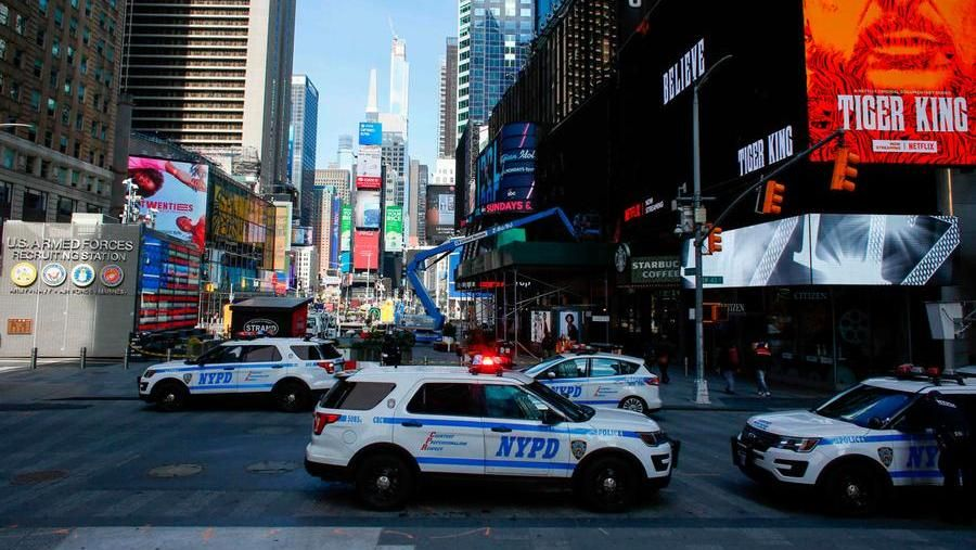 Covid-19, oltre 2.000 morti negli Usa: Trump non mette in quarantena New York e opta per dei travel advisory