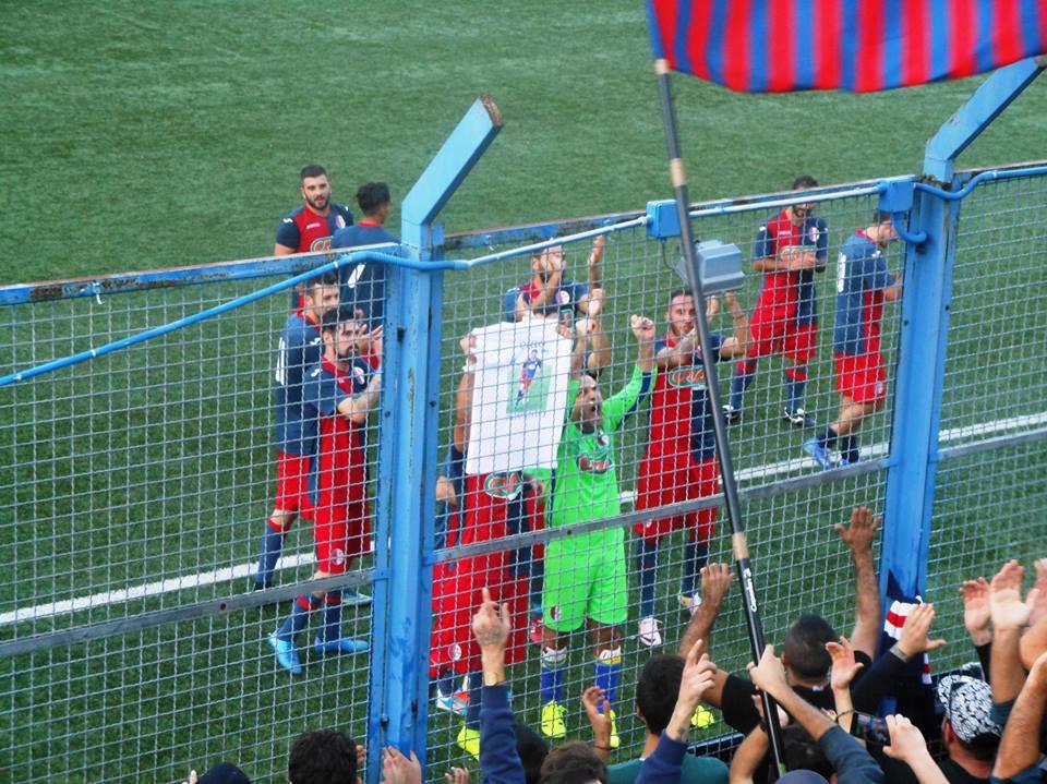 Promozione, festa rossoblù a metà: l'Enna strappa un punto e si salva (2 a 2)