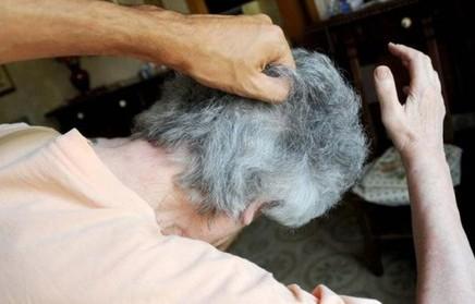Ragusa, finisce in carcere per maltrattamenti agli anziani genitori