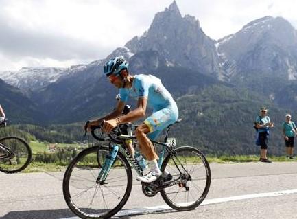 Vincenzo Nibali crolla nella cronoscalata dell'Alpe di Siusi