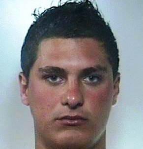 Catania, spaccia droga tra i palazzi di Librino: arrestato
