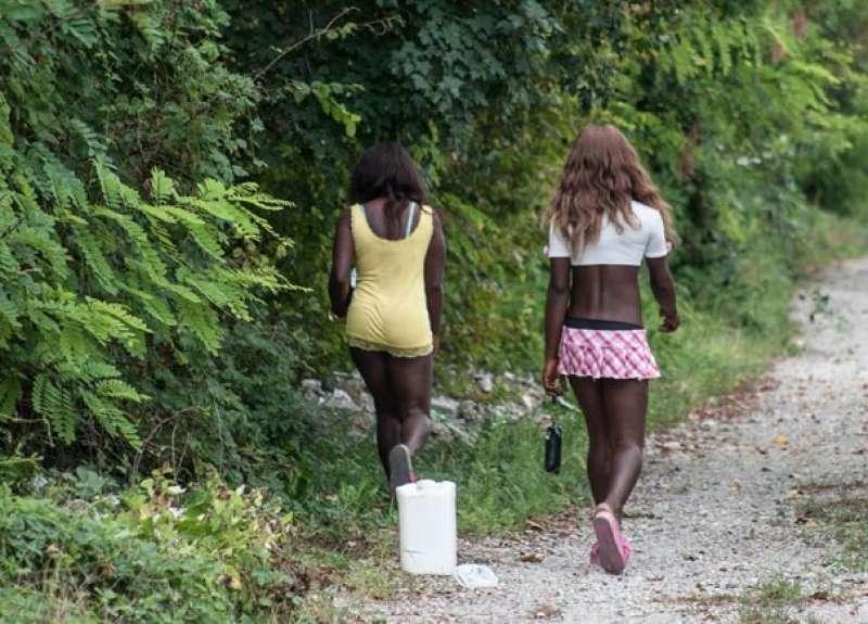 Catania, gestivano la tratta delle nigeriane: undici arresti
