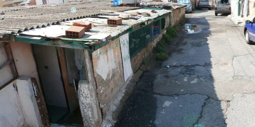 No allo stato di emergenza per le baracche a Messina, protesta Musumeci