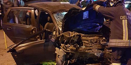 Schianto nella notte a Nocera Superiore: 17 enne morto e otto feriti