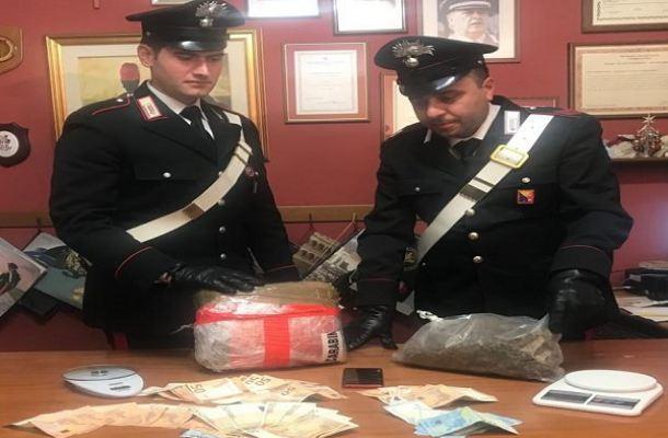 'Nonno marijuana' preso a Messina, 2 chili sotto il materasso