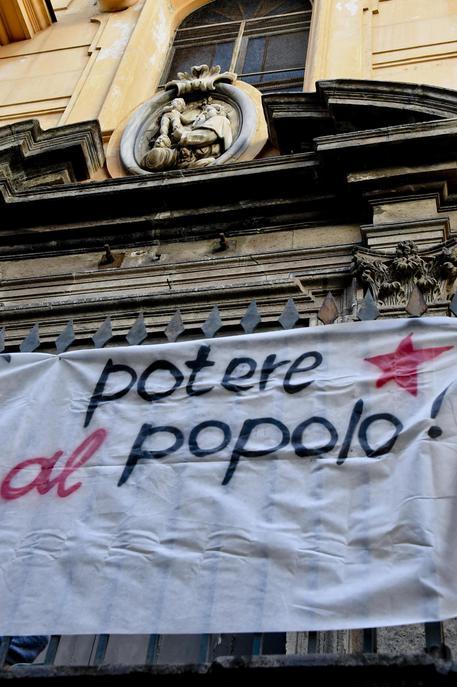 Napoli, occupata una chiesa per ospitare i senzatetto e i bisognosi