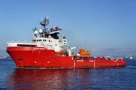 Migranti, situazione drammatica sulla Ocean Viking: minacce di suicidi e all'equipaggio