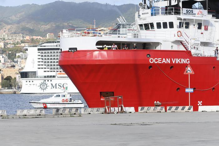 Ocean Viking domani a Taranto: sbarcherà 176 migranti
