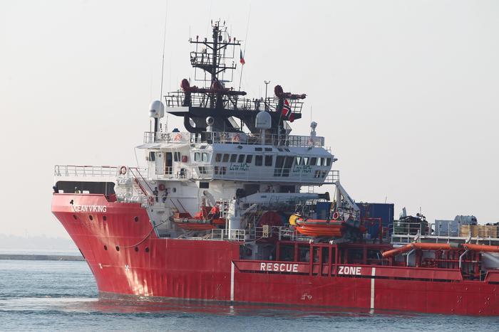 Il Viminale assegna il porto di Taranto per lo sbarco di 403 migranti della Ocean Viking