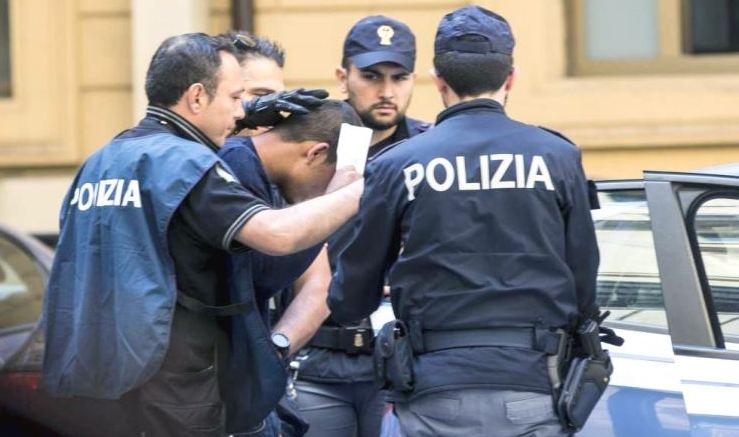 Migranti, maxi-operazione contro una banda internazionale di trafficanti
