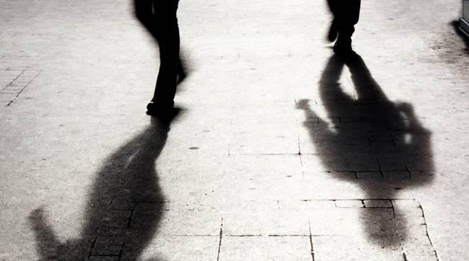Vìola il divieto d'avvicinamento e tormenta l'ex: arrestato a Catania