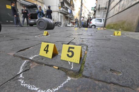 "Napoli, colpi di pistola in piena notte: ""stesa"" in stile Gomorra"