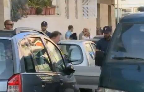 Catania, coppia di anziani trovata morti in casa: ipotesi omicidio/suicidio