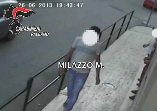 Palermo, lo avevano bruciato e gli avevano mozzato le mani per punizione: due arresti