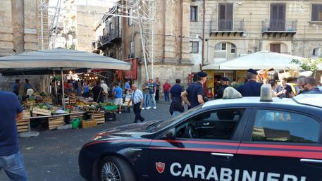 Omicidio al mercato di Palermo, caccia al complice del killer