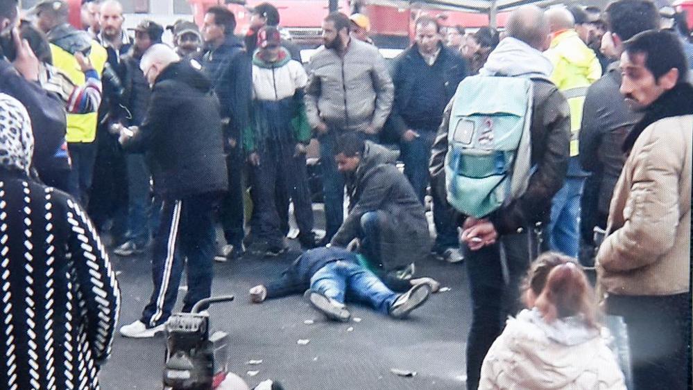 Omicidio a Torino, residenti in strada per protesta
