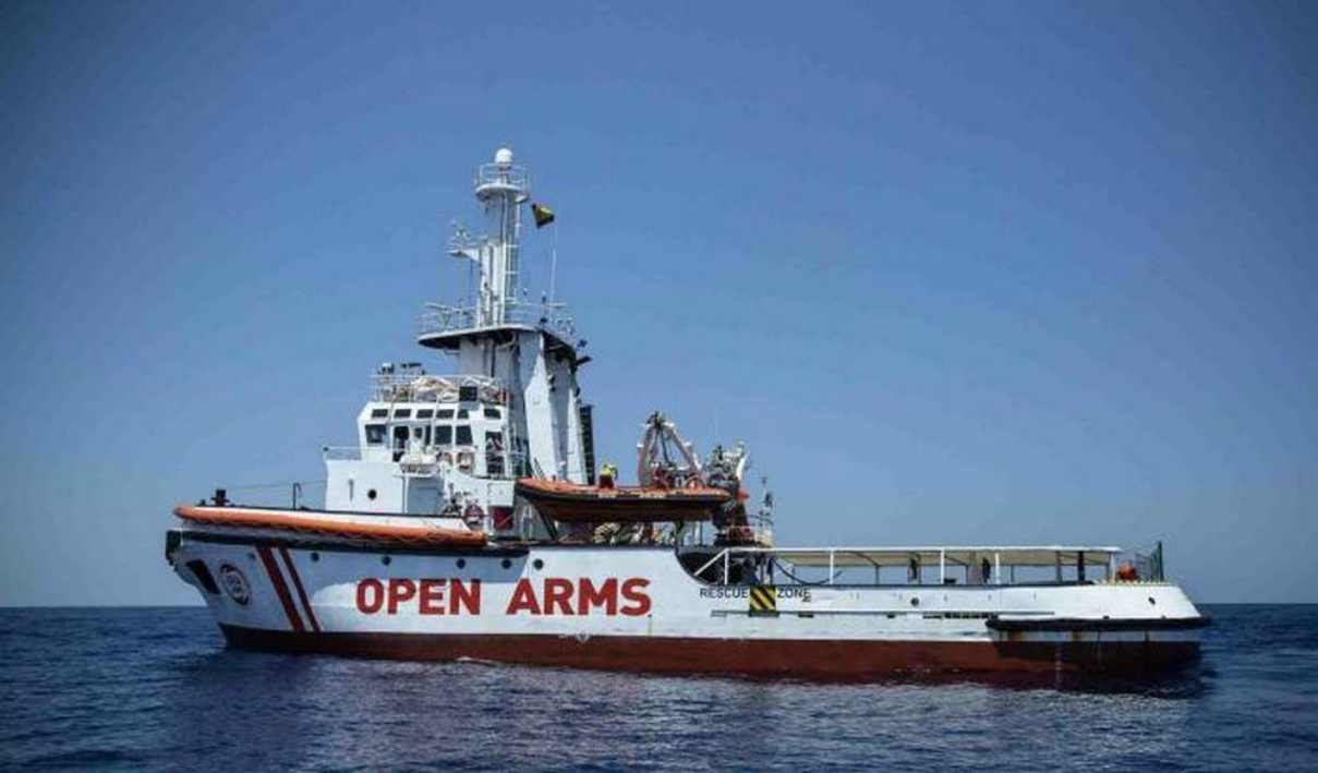 La Procura di Agrigento sequestra la Open Arms e dispone l'immediata evacuazione